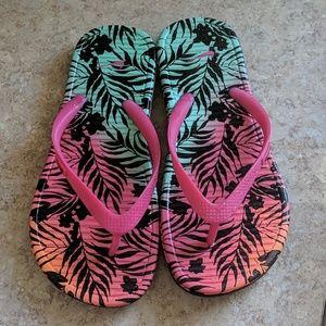 5 for $15 Nike flip flops